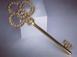 Beautiful key pendant tiffany
