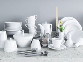 Dishes and accessories