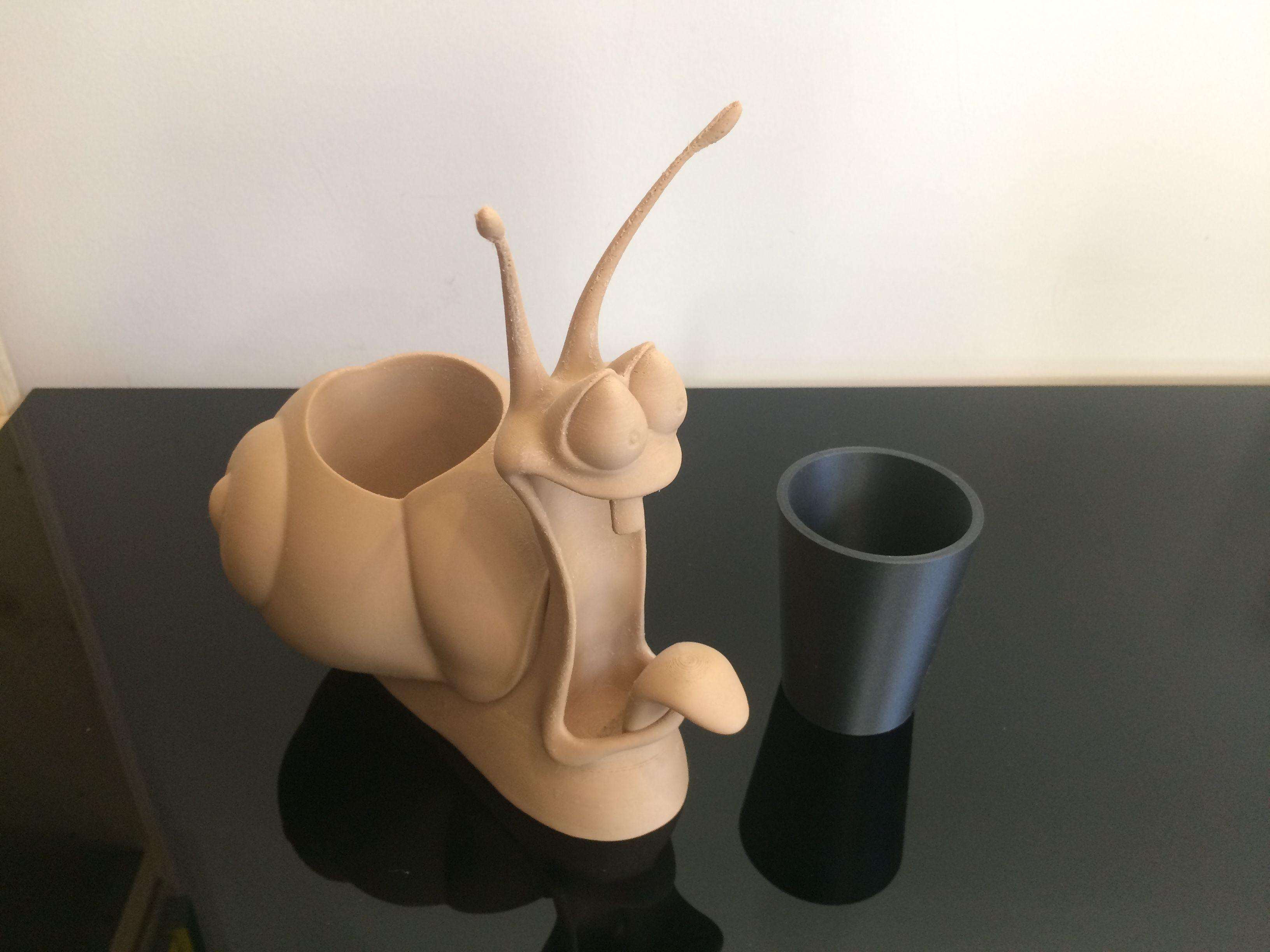 pencil pot toothbrush pot snail