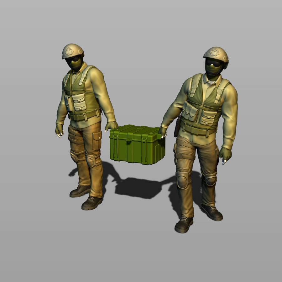 2 Russian soldiers carry ammunition