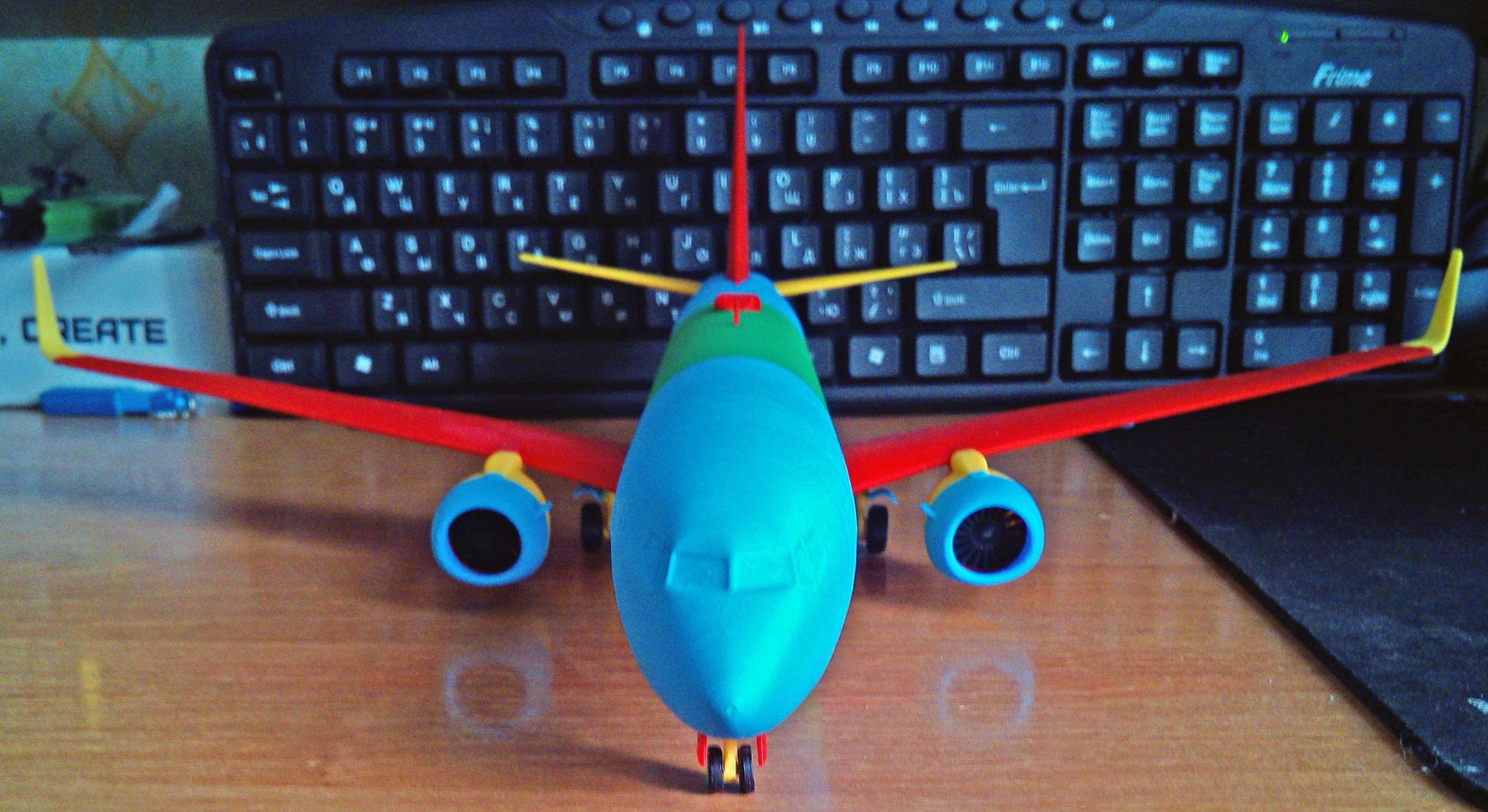 121213 Boeing 737-800 Sharklet Down