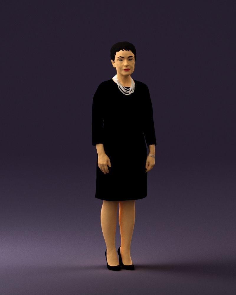 Woman in black shirt hair 0575