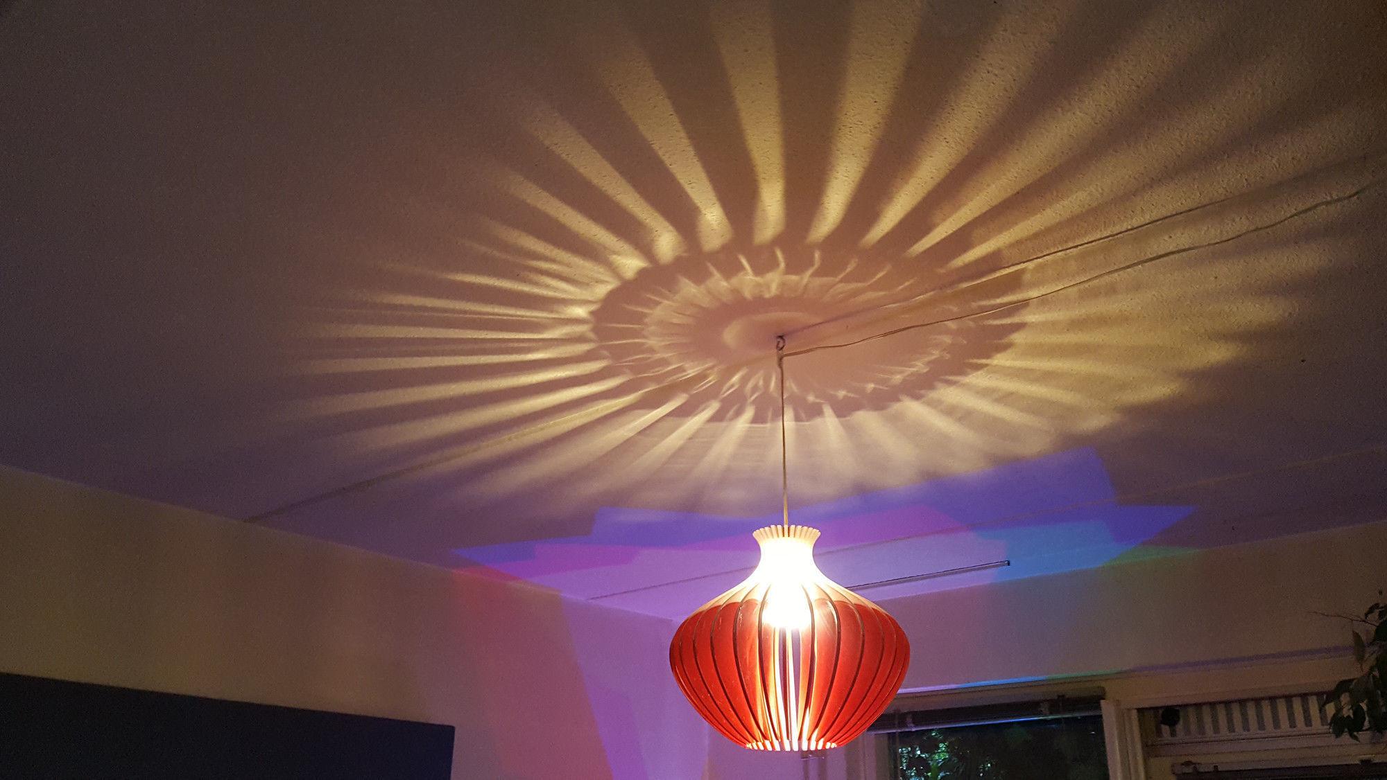 The Laminar Lamp
