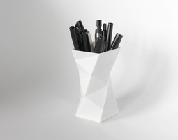 008a - Pen Holder - Faceted - 3D printable model