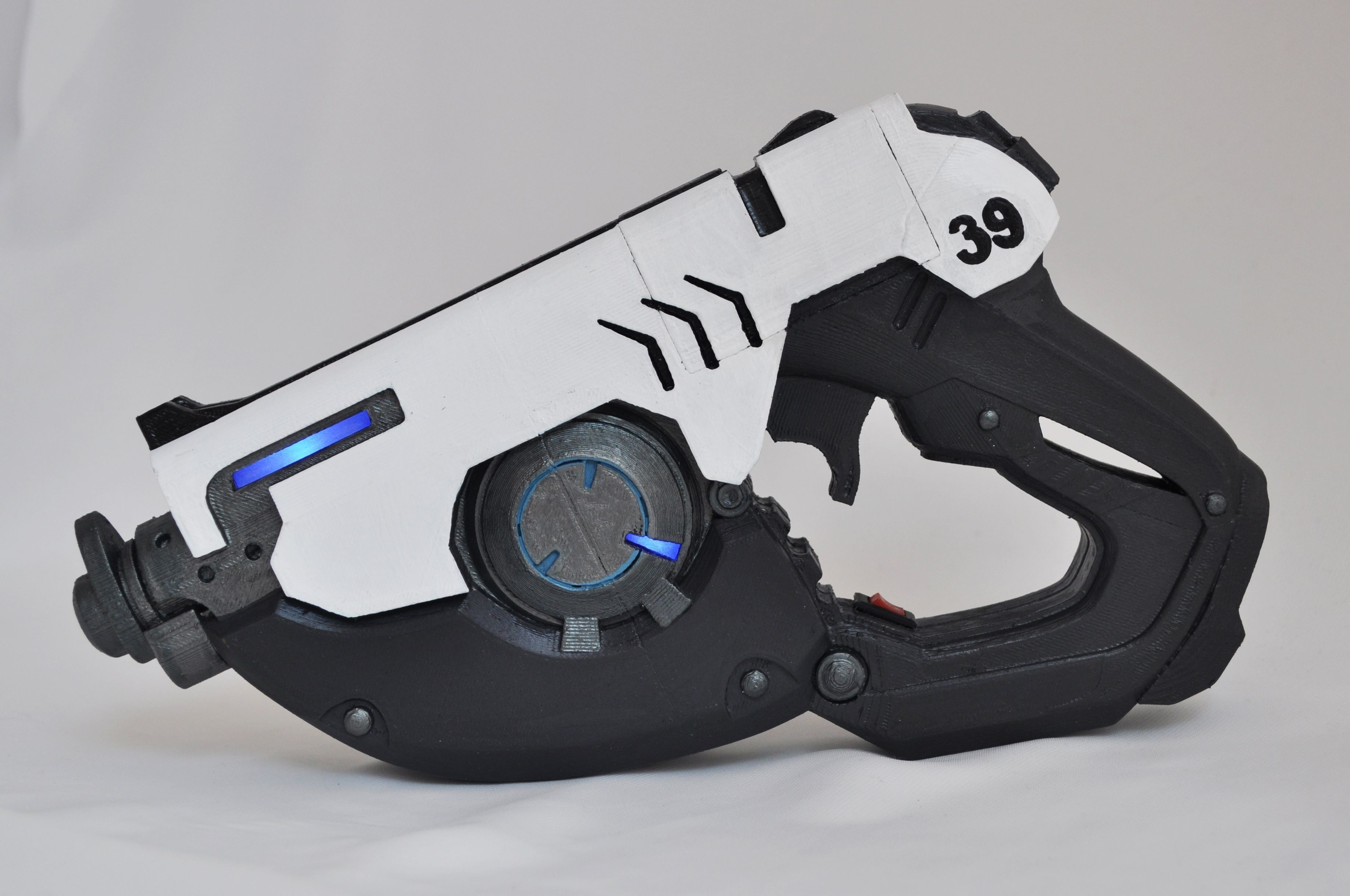 Overwatch Tracer pulse pistol with LEDs
